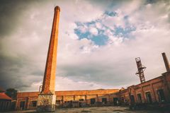 Stara Livnica, gammal fabriksKnezev arsenal i Kragujevac, Serbien Underbar byggnad Arkivfoton