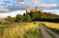 Stara Lubovna slott i Slovakien, Europa gränsmärke arkivbild