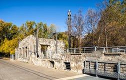 Stara młyńska kamienna ściana Zdjęcie Royalty Free
