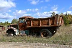 Stara Mack żwiru ciężarówka Zdjęcie Royalty Free