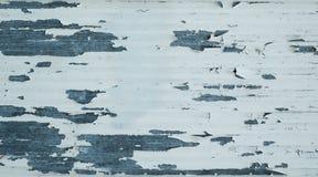Stara metal powierzchnia z strugać białą farbę i wietrzeć zdjęcia royalty free