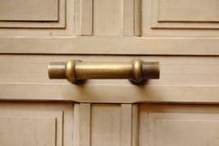 Stara mosiężna drzwiowa rękojeść zdjęcia stock
