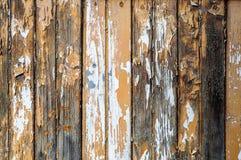 Stara nieociosana drewniana ściana z krakingową farbą Fotografia Stock