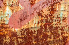 Stara nieociosana metall ściana z krakingową farbą Zdjęcie Royalty Free