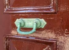 Stara ośniedziała bramy zapadka na drzwi Zdjęcie Stock