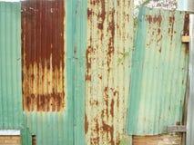 Stara ośniedziała cynk ściana Fotografia Royalty Free