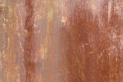 Stara ośniedziała metal powierzchnia z farba osadem jako tło lub tło zdjęcia royalty free