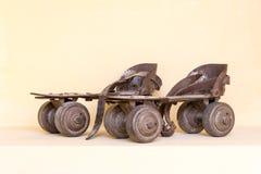Stara para rolkowa łyżwa obrazy stock