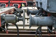Stara parowa lokomotywa Wyszczególnia up i zamyka ogromni koła obrazy stock