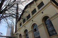 Stara piwna rośliny fasada z drymbą Obrazy Royalty Free