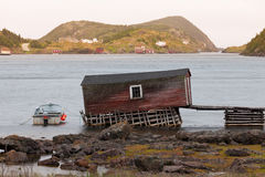 Stara połów chałupa w wodołazie NL Kanada obraz royalty free