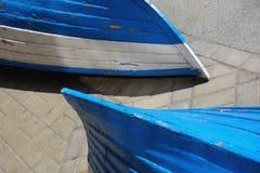 Stara podława błękitna i białe dwa łodzi Zdjęcie Stock