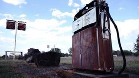 Stara pompa w paliwo staci zdjęcie wideo