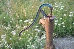 Stara pompa wodna Zdjęcia Royalty Free