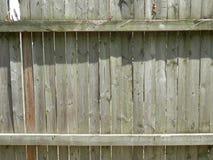 Stara popielata pogoda będący ubranym drewna ogrodzenie Obrazy Royalty Free