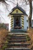 Stara Przydrożna świątynia Zdjęcia Stock