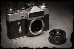 Stara ręczna kamera z swój obiektywem obraz royalty free