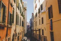 Stara retro ulica bez anyone w Włochy Wenecja w lecie Obraz Stock