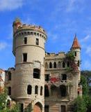 Stara rujnująca gothic stylowa nieruchomość rosjanina obliczenie Khrapovitsky, 19 obraz royalty free