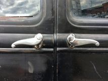 Stara samochodowa drzwiowa rękojeść zdjęcie royalty free