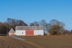 Stara stajnia na Duńskiej wsi Fotografia Stock