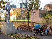 Stara statua Lenin w Golovanovsky pasie ruchu w Moskwa zdjęcie stock