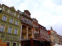 Stara Targowego kwadrata architektura z kolorowymi budynkami Obraz Stock