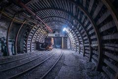 Stara węglowa fura na śladach w kopalni Obraz Stock