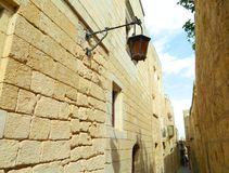 Stara wąska ulica miasto jako Rabbath Malta Zdjęcie Royalty Free