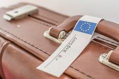 Stara walizka oznaczająca z eu flaga obrazy royalty free