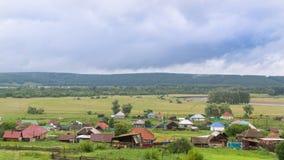 Stara wioska w górach w lecie zdjęcia royalty free
