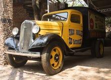Stara wzorcowa Chevrolet furgonetka Rocznika samochodu styl Obraz Royalty Free