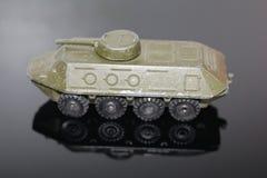 Stara zabawka dla chłopiec - opancerzony transporter zdjęcie stock