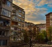 Stara Zagora, Bulgarien, solnedgång över staden, staden royaltyfri bild
