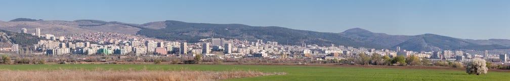Stara Zagora, BULGARIJE - APRIL 2, 2017: Panoramamening van Stara Zagora, Bulgarije Starazagora is nationaal belangrijk economisc stock foto