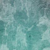 Stara zakłopotana grunge tła tekstura w białej grungy i trzaskającej farbie, wietrzejący rocznika tło w błękitnej zieleni odcieni ilustracji