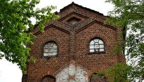 Stara zaniechana tabaczna fabryka ciemna cegła, ponuractwo obrazy stock