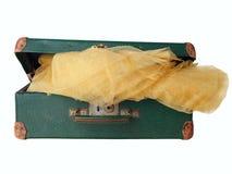 Stara zielona podława walizka obrazy stock
