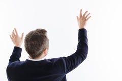 Staranny utalentowany facet używa jego ręki ruszać się coś fotografia stock
