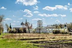 人的圣尼古拉斯修道院在Staraya拉多加 俄国 免版税库存图片