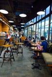 Starbucks kawiarni wnętrze Zdjęcie Royalty Free