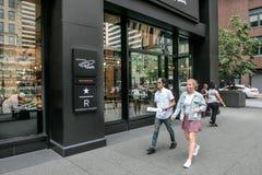 Starbucks rezerwy lokacja w środek miasta Manhattan fotografia stock