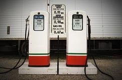 Stare benzynowe pompy Obraz Royalty Free
