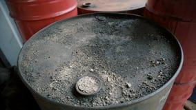 Stare brudne baryły ropy naftowej zbiory