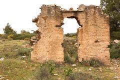 Stare czerwonego brick/kamienne ściany zaniechani domy, background/tekstura zdjęcia royalty free