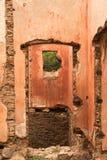 Stare czerwonego brick/kamienne ściany zaniechani domy, background/tekstura obraz stock