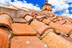 Stare czerwonej cegły dachowe płytki od północy na dachach włoszczyzna domy i kościół, Florencja, Tuscany, Włochy zdjęcie royalty free