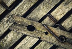 Stare drewniane szpilki dla pralni obrazy stock