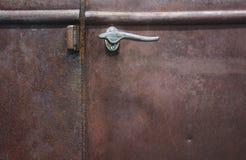 stare drzwi rdzewiejąca ciężarówka. Fotografia Royalty Free
