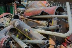 Stare instalacj wodnokanalizacyjnych drymby, klapy wypiętrzający up i Fotografia Royalty Free